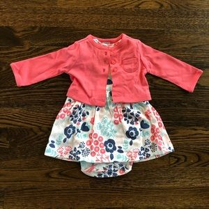 BRAND NEW w/ tags Carter's 2 piece for baby girl